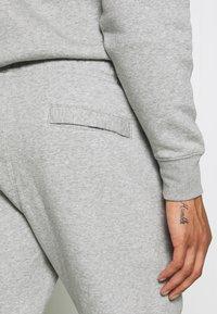 Nike Sportswear - TRACK SUIT - Träningsset - dark grey heather - 6