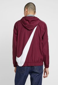 Nike Sportswear - Windbreaker - night maroon/white - 2