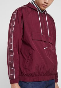 Nike Sportswear - Windbreaker - night maroon/white - 5