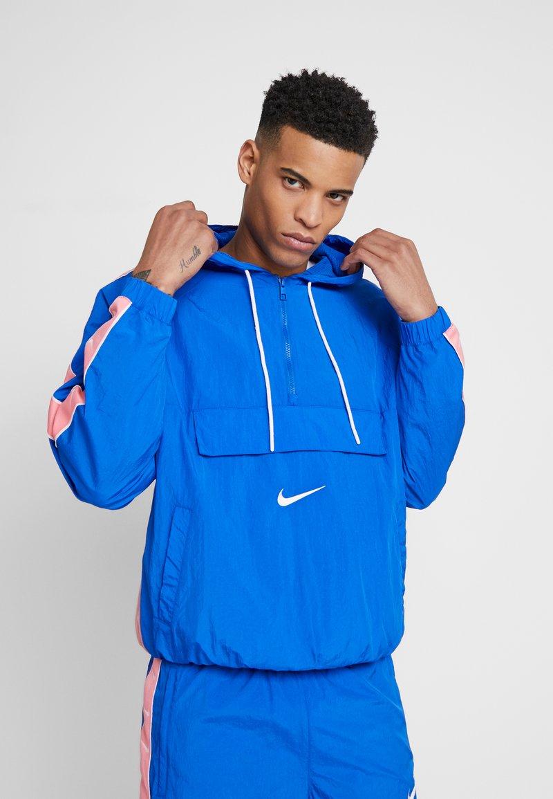 Nike Sportswear - Windjack - game royal/white/pink gaze