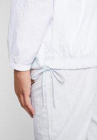 Nike Sportswear - Trainingsjacke - pure platinum/white - 5