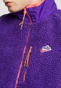 Nike Sportswear - VEST WINTER - Waistcoat - court purple/kumquat/starfish - 4