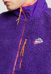 Nike Sportswear - VEST WINTER - Väst - court purple/kumquat/starfish - 4