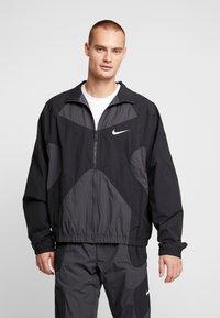 Nike Sportswear - ISSUE  - Trainingsvest - anthracite/black/white - 0