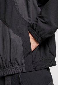 Nike Sportswear - ISSUE  - Trainingsvest - anthracite/black/white - 5