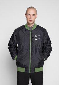 Nike Sportswear - Bomberjacks - treeline/black/white - 3