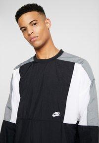 Nike Sportswear - CREW - Sportovní bunda - black/white/smoke grey - 3