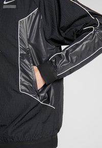 Nike Sportswear - TOP - Giacca a vento - black/black - 5