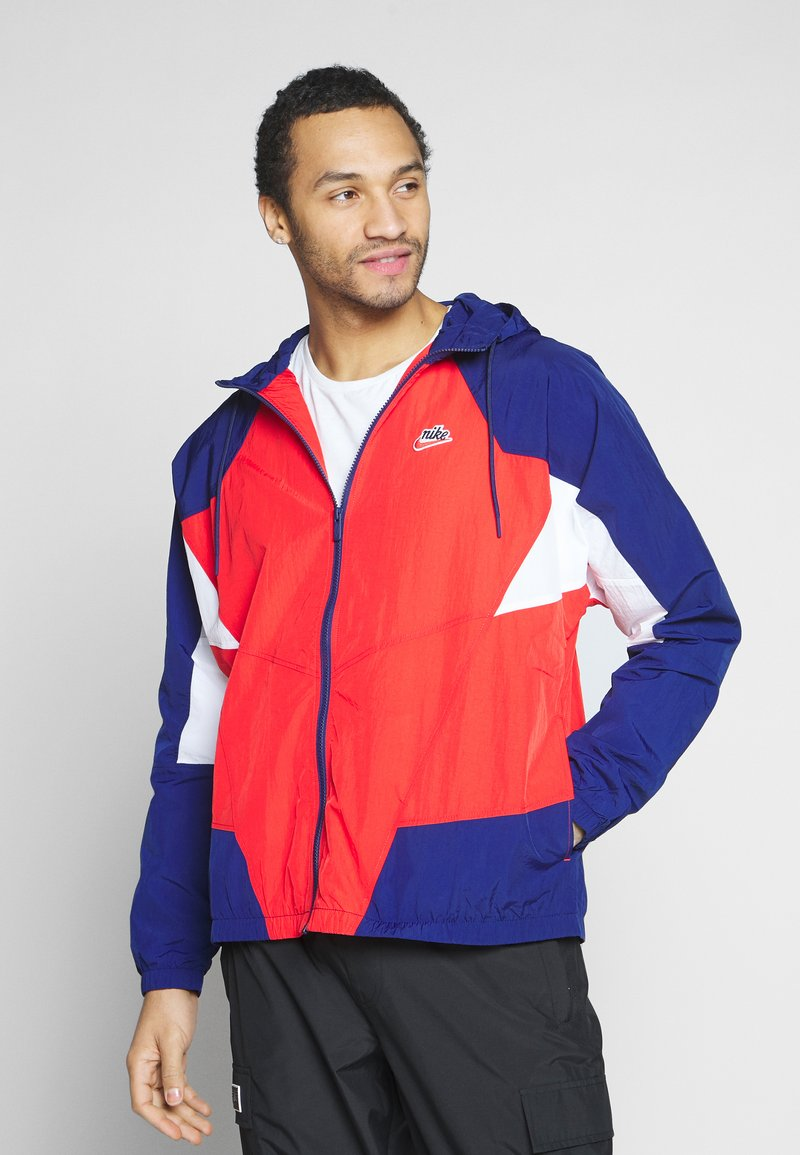 Nike Sportswear - SIGNATURE - Kurtka sportowa - university red/blue void