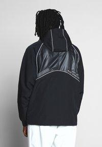 Nike Sportswear - Lehká bunda - black - 2