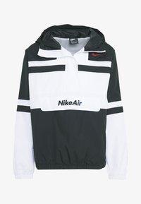 Nike Sportswear - M NSW NIKE AIR JKT WVN - Tuulitakki - white/black - 4