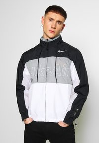 Nike Sportswear - NSW NIKE AIR  - Kurtka Outdoor - black/particle grey/white - 0
