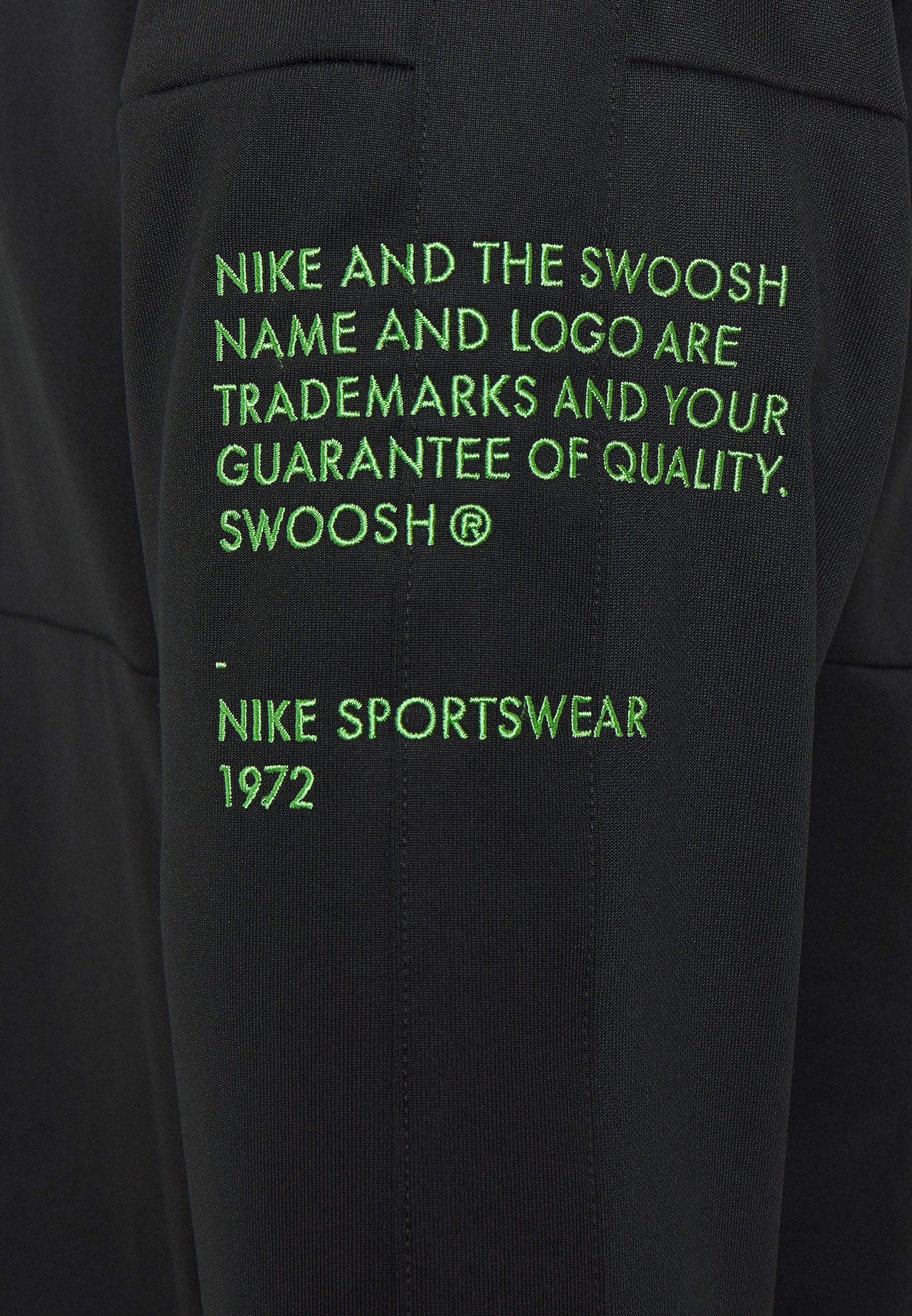 Nike Sportswear Treningsjakke blackwhite Zalando.no