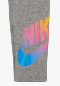 Nike Sportswear - FAVORITES - Leggings - carbon heather - 4
