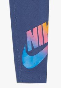 Nike Sportswear - FAVORITES - Leggings - Trousers - mystic navy/white - 4