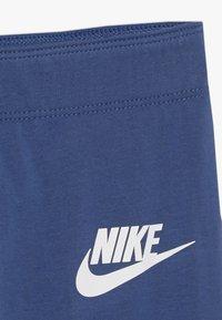 Nike Sportswear - FAVORITES - Leggings - Trousers - mystic navy/white - 2