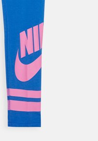Nike Sportswear - FAVORITE  - Leggings - pacific blue/magic flamingo