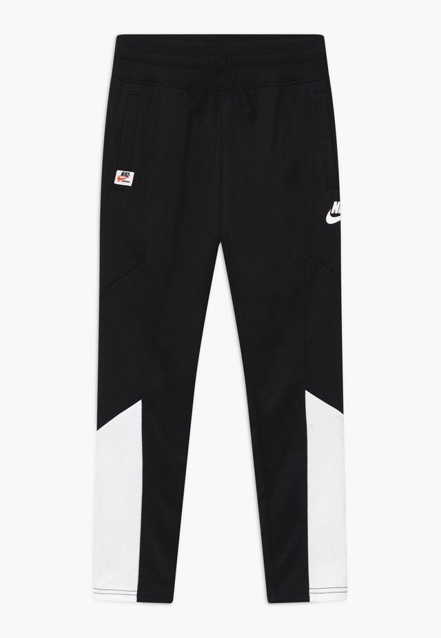 HERITAGE - Teplákové kalhoty - black/white