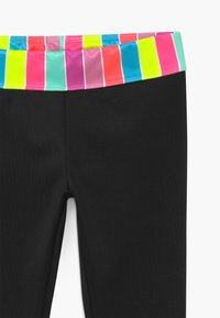 Nike Sportswear - STRIPE ANKLE CROP - Legging - black - 3