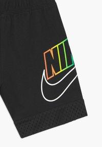 Nike Sportswear - OVERLAY - Shorts - black - 3