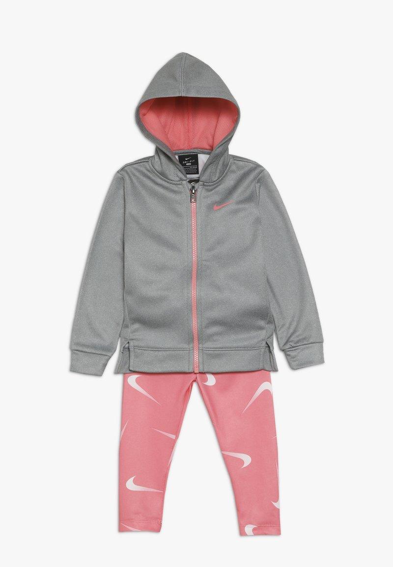 Nike Sportswear - THERMA BABY - Survêtement - pink gaze