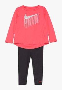 Nike Sportswear - SHINE BABY SET - Trainingspak - dark grey - 0