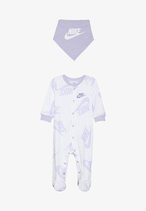 FOOTED COVERALL BIB BABY SET - Tørklæde / Halstørklæder - white