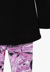 Nike Sportswear - TUNIC MYLAR SWIRL BABY SET - Verryttelypuku - vivid purple - 4