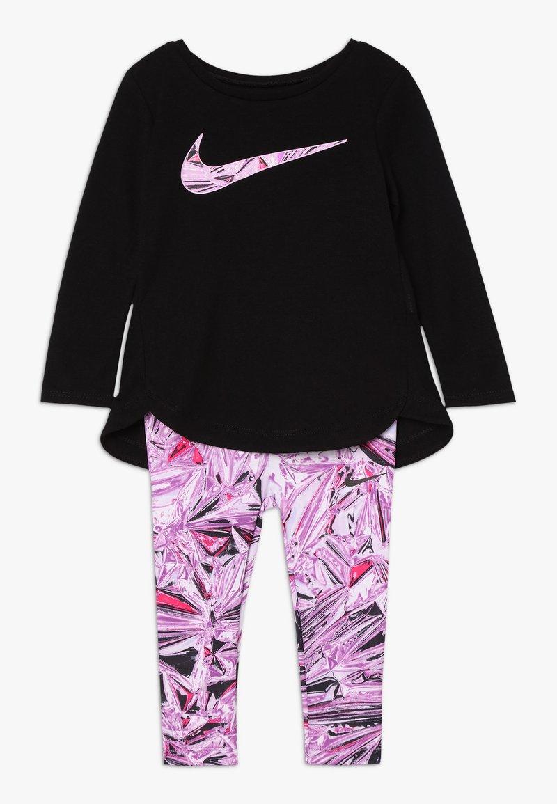 Nike Sportswear - TUNIC MYLAR SWIRL BABY SET - Verryttelypuku - vivid purple