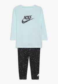 Nike Sportswear - STARRY NIGHT TUNIC SET BABY - Tepláková souprava - black - 0