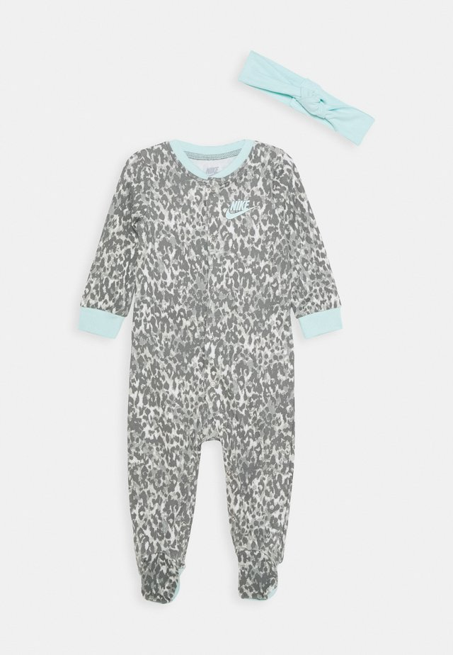 LEOPARD COVERALL HEADBAND BABY SET - Sleep suit - teal tint