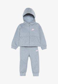 Nike Sportswear - PANT BABY SET - Träningsset - ashen slate heather - 4