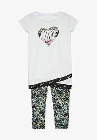 Nike Sportswear - SPORT TUNIC REGRIND SET BABY - Legging - emerald rise - 3