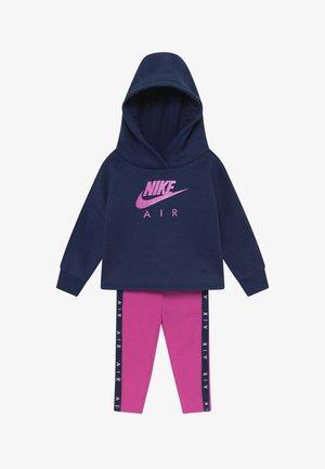 NEW AIR SET - Bluza z kapturem - fire pink