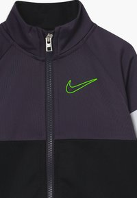Nike Sportswear - COLOR BLOCK TRICOT BABY SET  - Tepláková souprava - black - 4