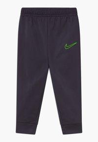 Nike Sportswear - COLOR BLOCK TRICOT BABY SET  - Tepláková souprava - black - 2