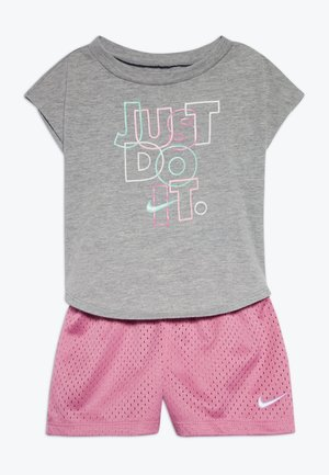 JUST DO IT SET BABY - Short - magic flamingo