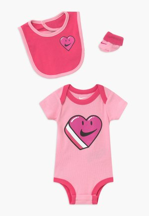 HAVE A NIKE DAY HEART BABY SET - Regalos para bebés - pink
