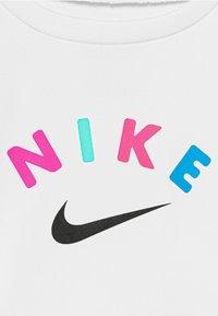 Nike Sportswear - SPRINTER SET - Kalhoty - black - 4