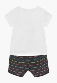 Nike Sportswear - SPRINTER SET - Kalhoty - black - 1