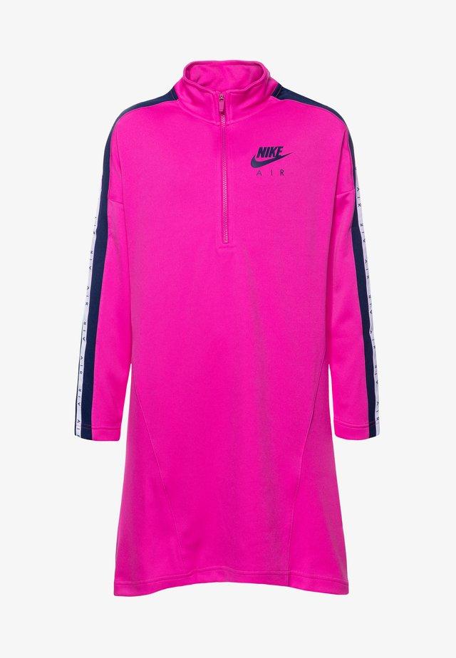 G NSW NIKE AIR DRESS - Korte jurk - fire pink/blue void