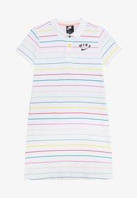 Nike Sportswear - NIKE SPORTSWEAR KLEID FUR KINDER(MADCHEN) - Sportovní šaty - white/bleached coral/black - 2