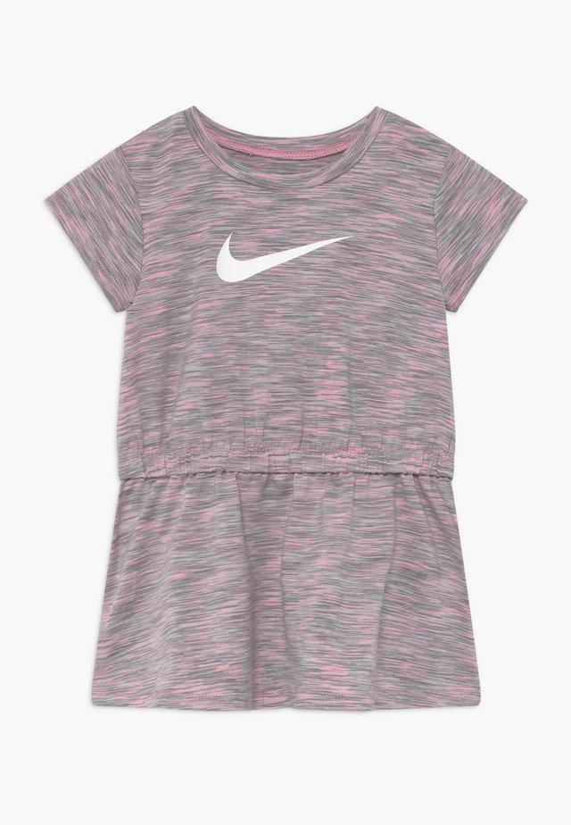 SPACE DYE DRESS BABY - Jerseyjurk - pink