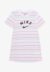 Nike Sportswear - STRIPE DRESS - Žerzejové šaty - white - 2