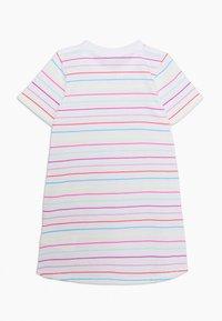 Nike Sportswear - STRIPE DRESS - Žerzejové šaty - white - 1