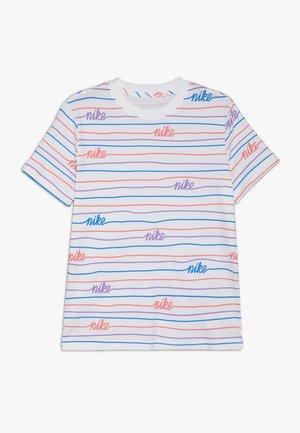 TEE BOYFRIEND TONAL - Camiseta estampada - white