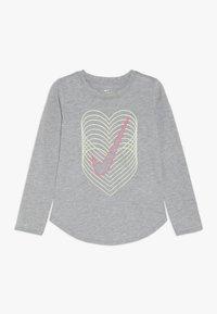 Nike Sportswear - HEART REVERB SCOOP TEE - Långärmad tröja - dark grey heather - 0