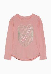 Nike Sportswear - HEART REVERB SCOOP TEE - Longsleeve - bleached coral - 0
