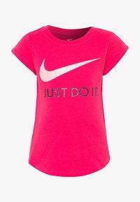 Nike Sportswear - TEE - Print T-shirt - dark hyper pink - 0