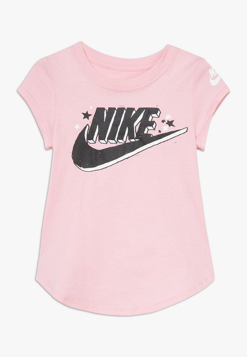 Nike Sportswear - FUTURA MARKER SCOOP TEE - Print T-shirt - pink
